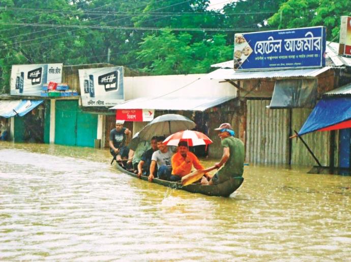 Pedal Rickshaws exchanged for Paddle Nokahs (boats).